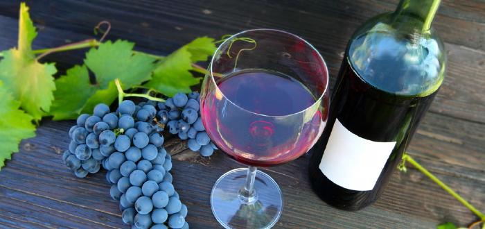 shutterstock_wineinoutside