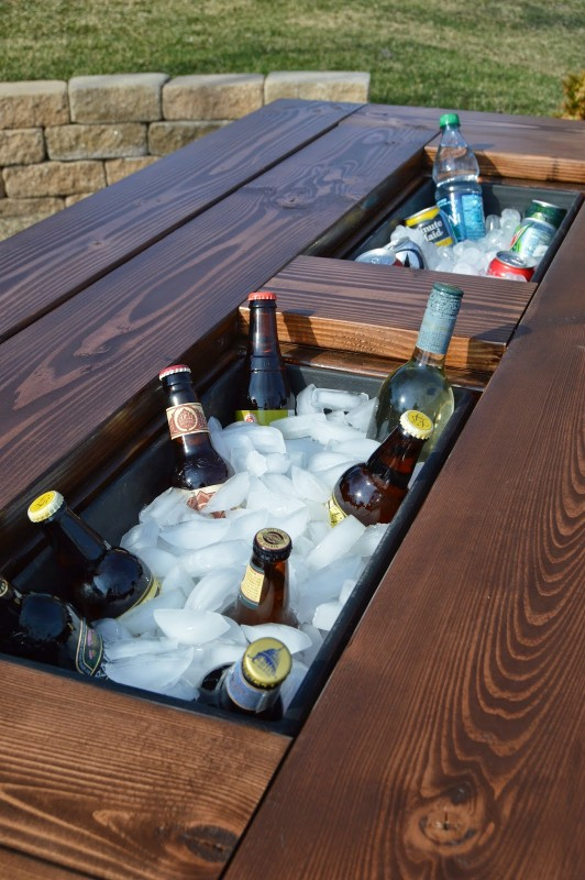 Remodelaholic-Refreshment-Table