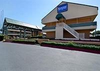 HomeGate Studios & Suites San Antonio Fiesta Park