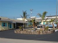 Beach Bungalow Inn and Suites