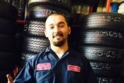 A & R Tires logo