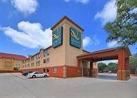 Quality Inn & Suites Seaworld North